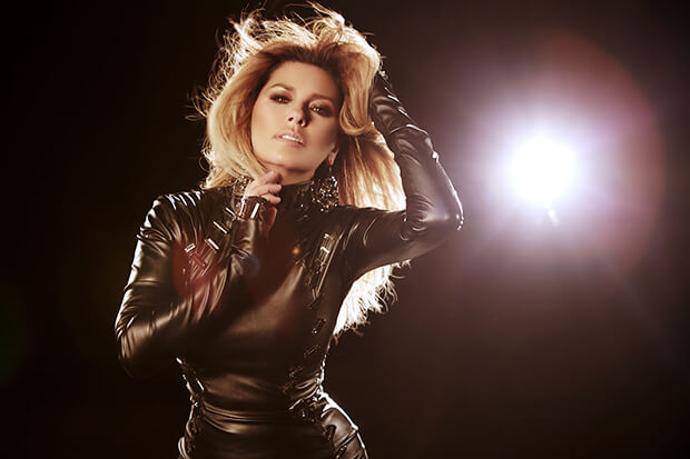 Shania Twain NOW Tour Guide: Country Music Star